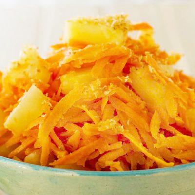 Тропический салат с морковью и ананасом - рецепт с фото