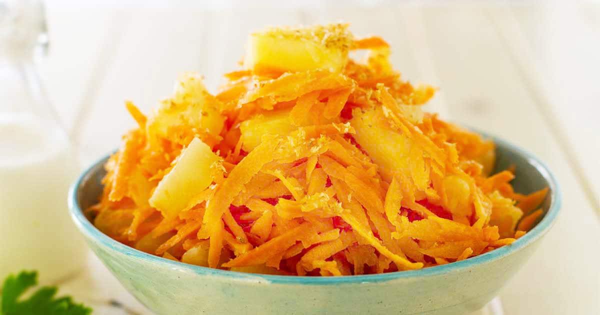 Тропический салат с морковью и ананасом