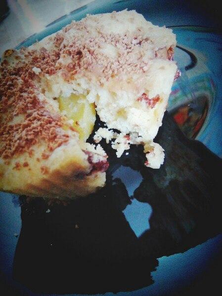 Фото рецепта - Быстрые кексы в микроволновке с яблоками и шоколадом - шаг 5