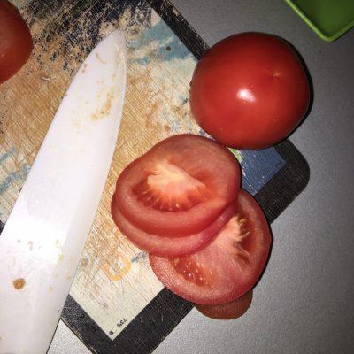 Фото рецепта - Запечённая индейка с сыром и помидорами в духовке - шаг 4