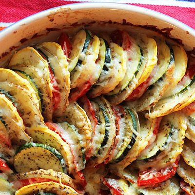 Запеченные кабачки с томатами и чесноком - рецепт с фото