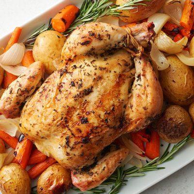 Запеченный цыпленок в луковом маринаде - рецепт с фото