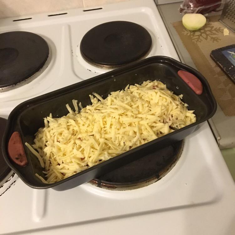 Омлет с колбасой, грибами и зеленью - рецепт пошаговый с фото