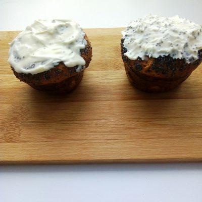 Фото рецепта - Сырники в духовке с маком и Маскарпоне - шаг 4