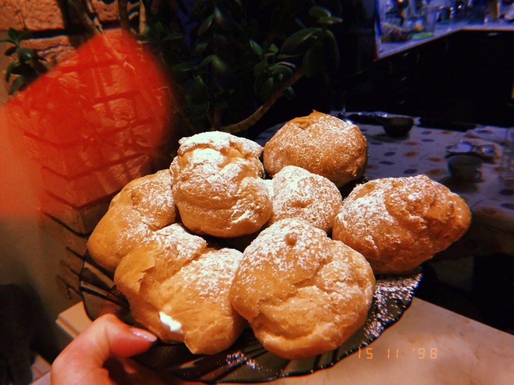 Профитроли с масляным кремом - рецепт пошаговый с фото