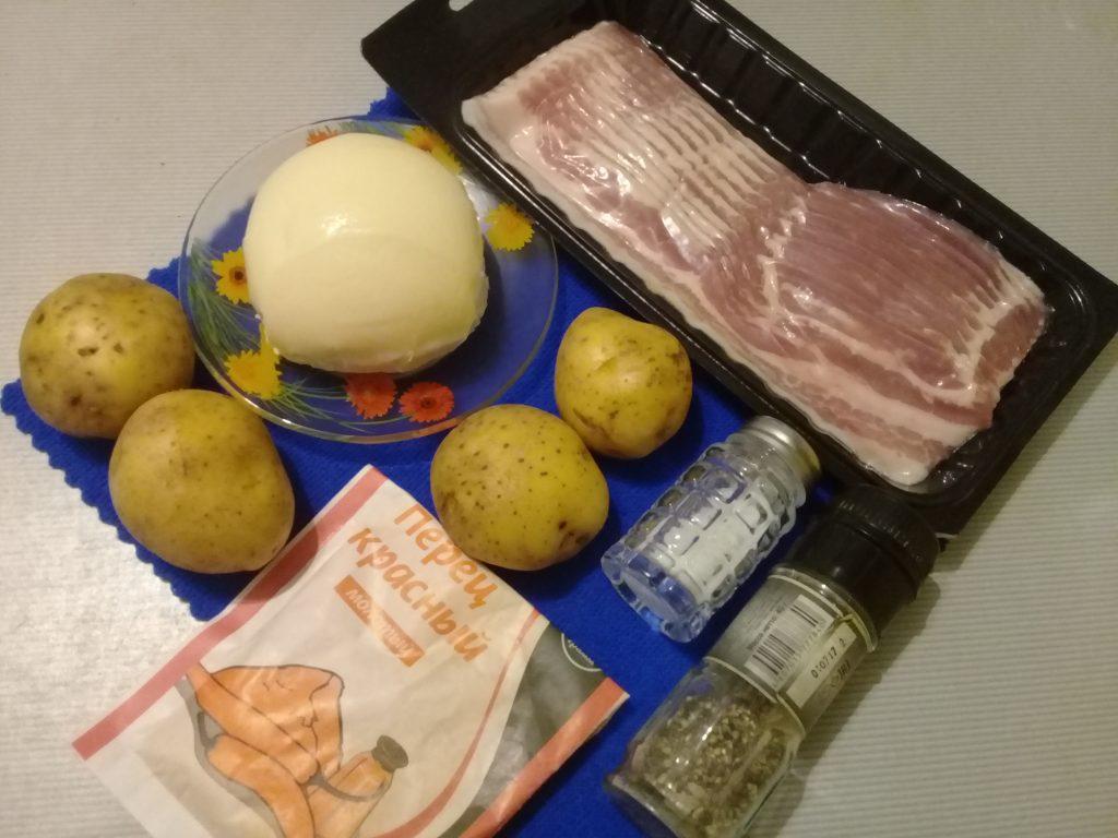Фото рецепта - Картофельные розочки с беконом и адыгейским сыром - шаг 1