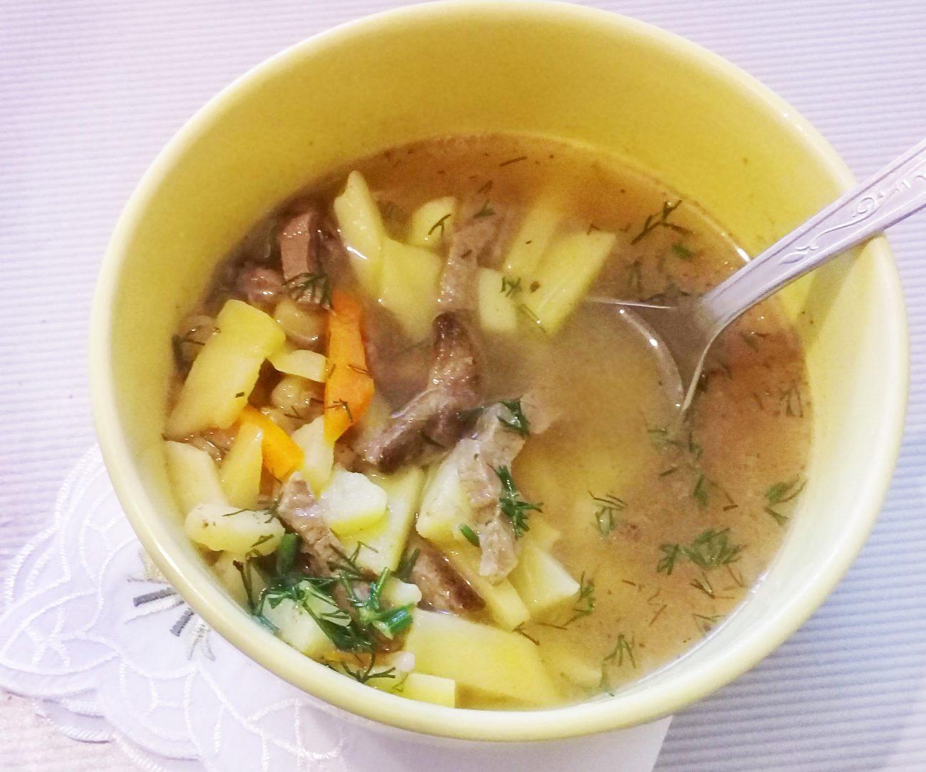Суп с консервированным горошком с говядиной