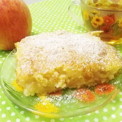 Бисквит с яблоками - рецепт с фото