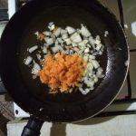 Фото рецепта - Солянка мясная с солеными огурцами и свеклой - шаг 5