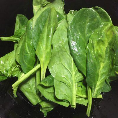 Фото рецепта - Говядина, тушеная со шпинатом - шаг 5
