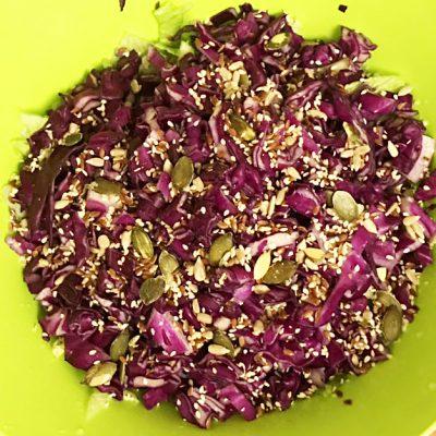 Капустный салат для детокса - рецепт с фото