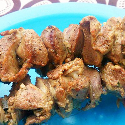 Шашлычок из куриных желудков - рецепт с фото