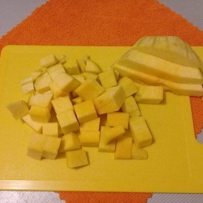 Фото рецепта - Пшенная каша с тыквой на молоке - шаг 2