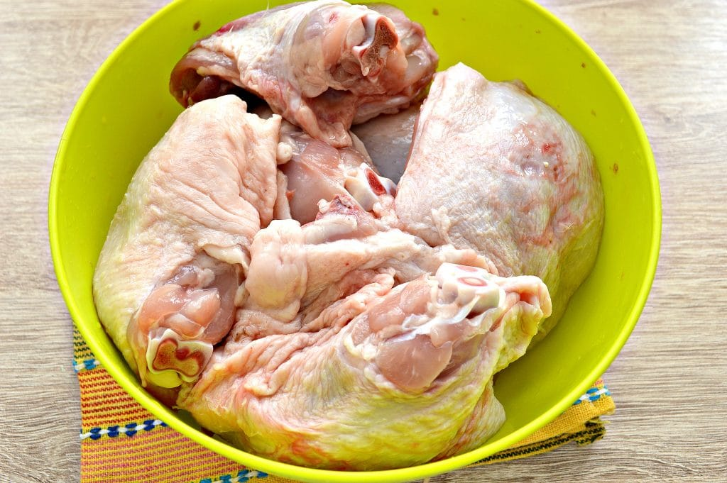 Фото рецепта - Куриный шашлык в духовке на противне - шаг 1
