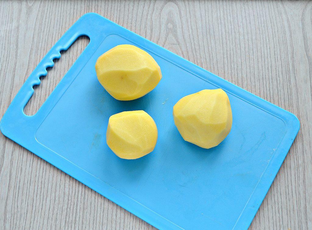 Фото рецепта - Картофель, запеченный в фольге с салом - шаг 1