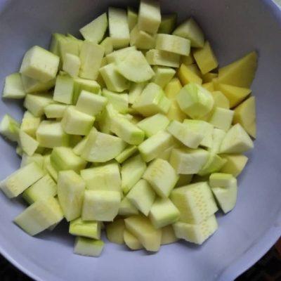 Фото рецепта - Рагу из курицы с картошкой - шаг 4