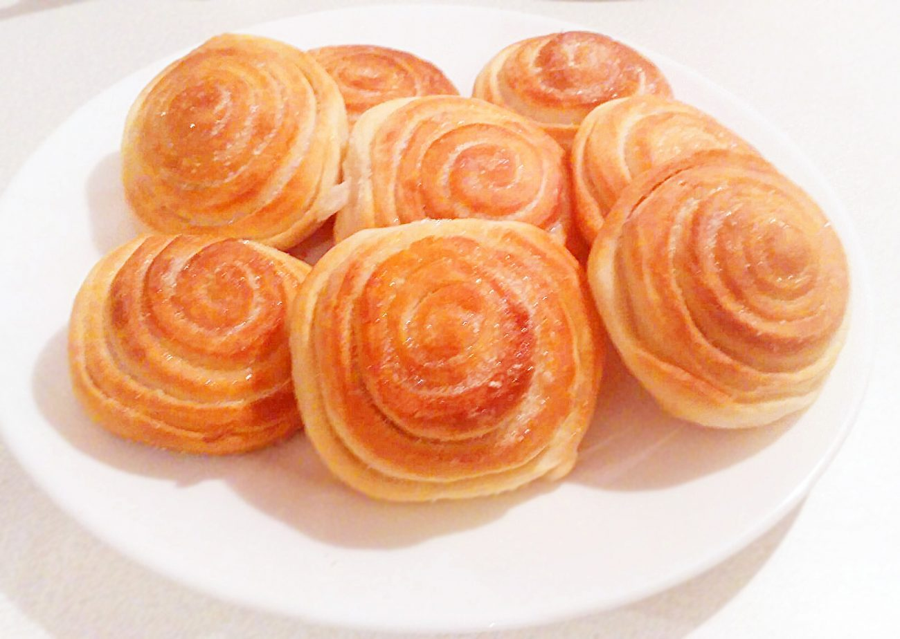 "Сдобные булочки с сахаром – ""Розочка"""