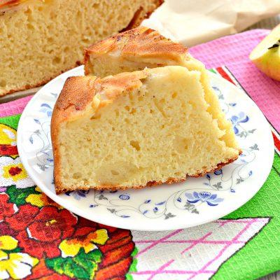 Яблочная шарлотка на ряженке - рецепт с фото