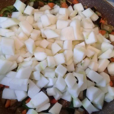 Фото рецепта - Рисовые биточки (котлеты) с овощами - шаг 8