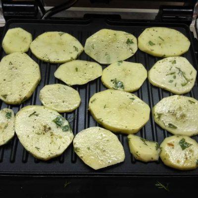 Фото рецепта - Гарнир – картофель на гриле - шаг 3