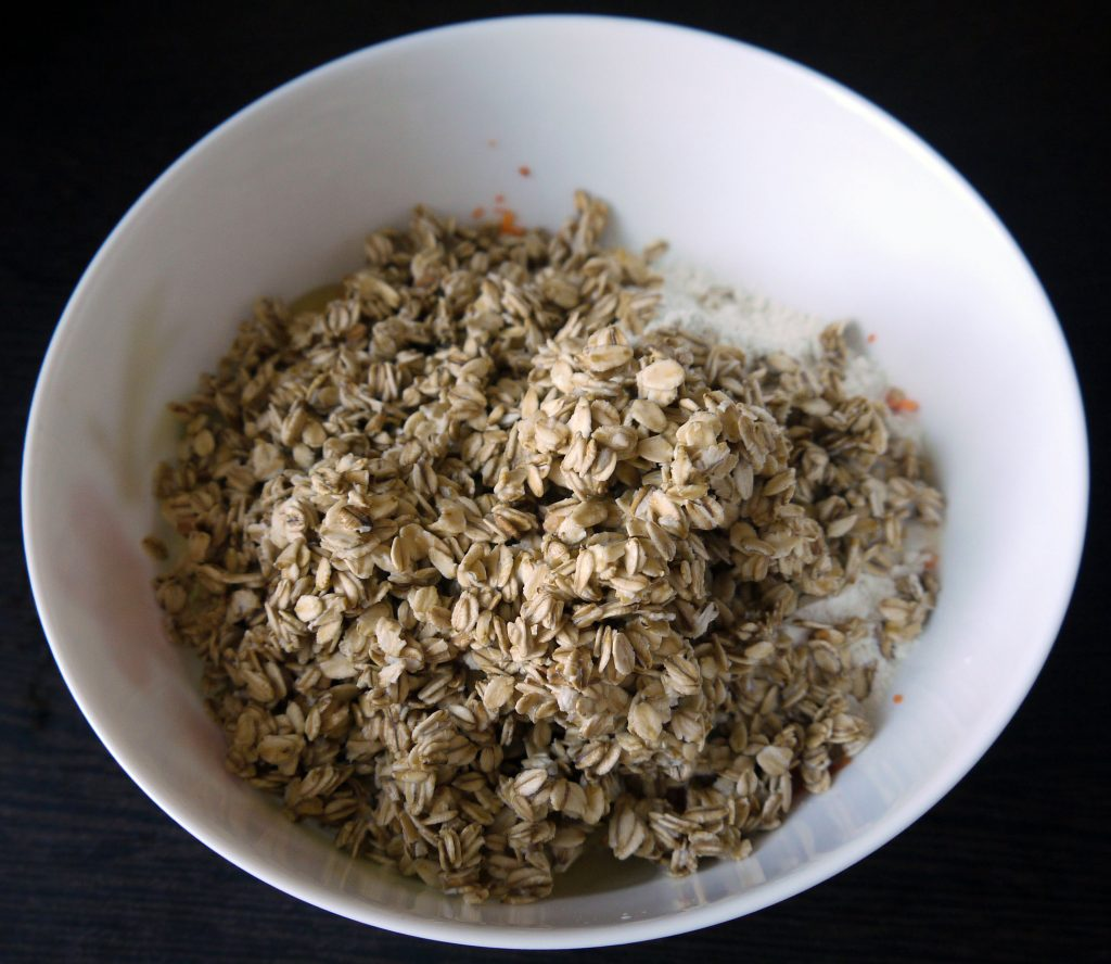 Фото рецепта - Морковно-овсяные оладьи - шаг 6