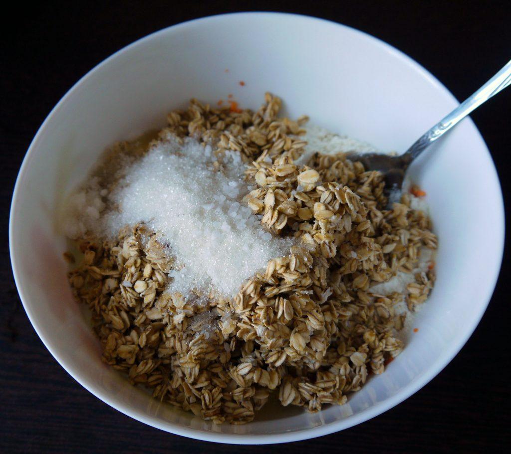 Фото рецепта - Морковно-овсяные оладьи - шаг 7