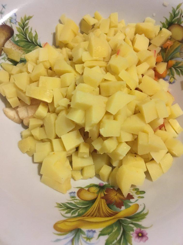 Фото рецепта - Винегрет с фасолью и квашеной капустой - шаг 4