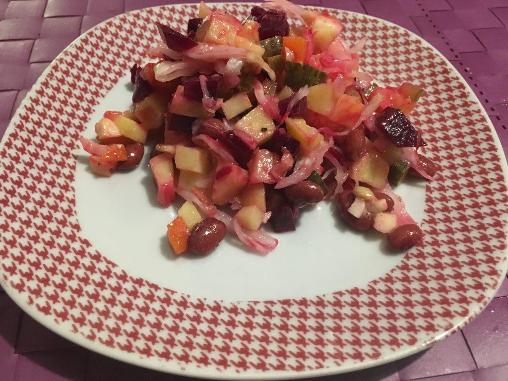 Фото рецепта - Винегрет с фасолью и квашеной капустой - шаг 10