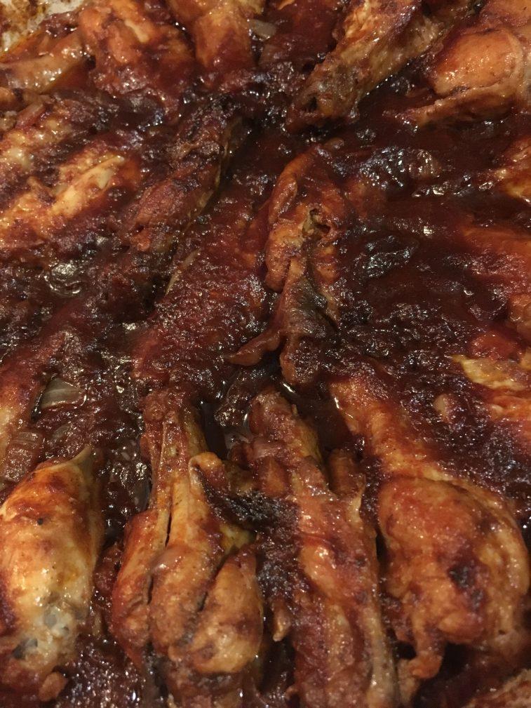 Фото рецепта - Крылышки «Барбекю» в маринаде на сковороде - шаг 9