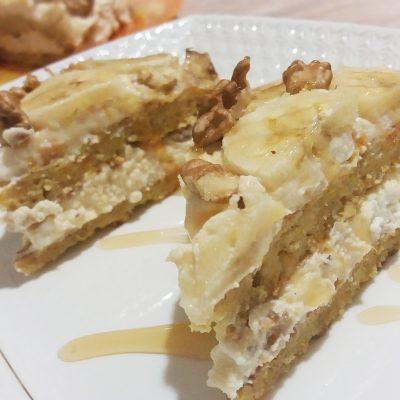 Торт из овсяноблинов с тыквой, бананом, творогом и орехами - рецепт с фото