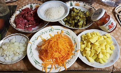 Фото рецепта - Рассольник с рисом на говядине без обжарки, в мультиварке - шаг 1