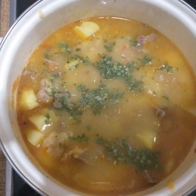 Фото рецепта - Жаркое из говядины с картошкой - шаг 5