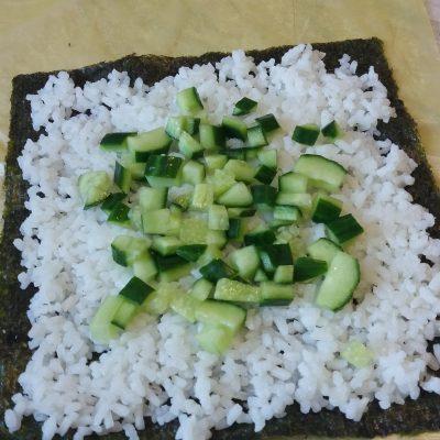 Фото рецепта - Онигирадзу – суши-сэндвич с курицей - шаг 3