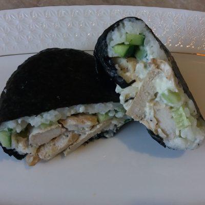 Фото рецепта - Онигирадзу – суши-сэндвич с курицей - шаг 5