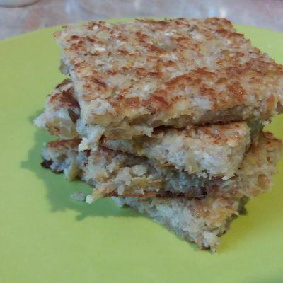 Фото рецепта - Яблочный овсяноблин на молоке - шаг 5
