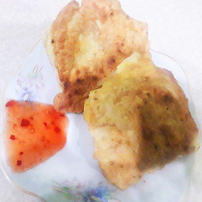 Жареные конвертики из лаваша с курицей и овощами - рецепт с фото