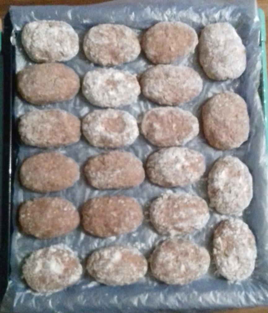 Фото рецепта - Домашние котлеты из свинины и говядины, в духовке - шаг 3