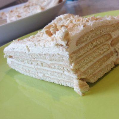 """Фото рецепта - Торт """"Наполеон"""" из печенья с творогом - шаг 5"""