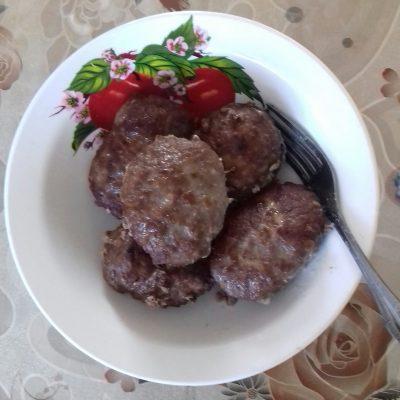 Фото рецепта - Домашние котлеты из свинины и говядины, в духовке - шаг 4