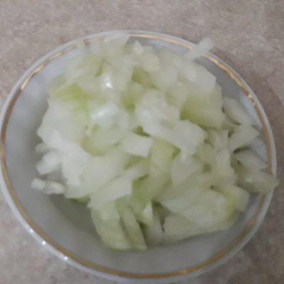 Фото рецепта - Скумбрия, запеченная с овощами под сыром - шаг 2