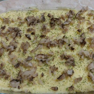 Фото рецепта - Запеканка из картофельного пюре и тефтелей из индейки под сыром - шаг 3