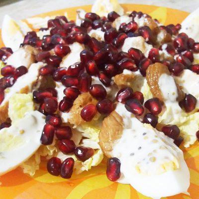 Салат из индейки с пекинской капустой и гранатом - рецепт с фото