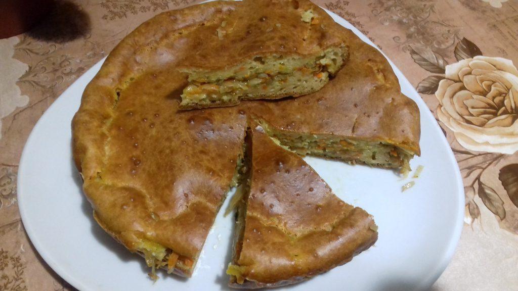 """Фото рецепта - Заливной капустный пирог """"Мгновенье"""" - шаг 8"""