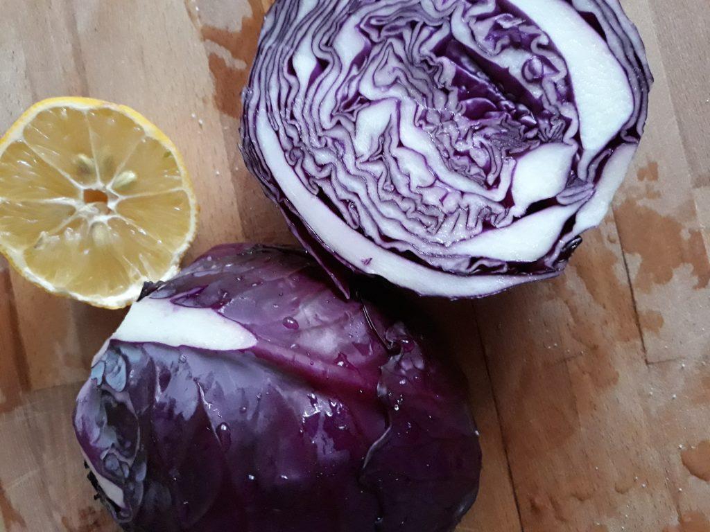 Фото рецепта - Краснокочанная капуста быстрой засолки - шаг 2