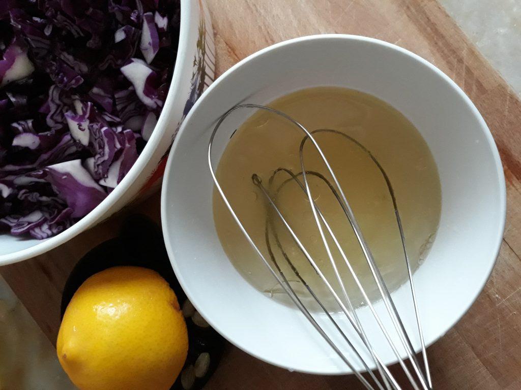 Фото рецепта - Краснокочанная капуста быстрой засолки - шаг 4