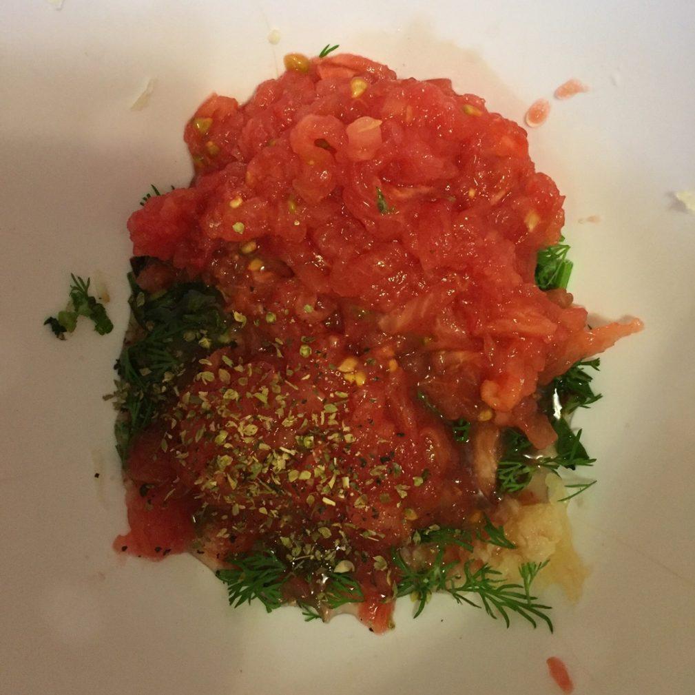 """Фото рецепта - Соус  """"Гуакамоле"""" с томатами - шаг 3"""