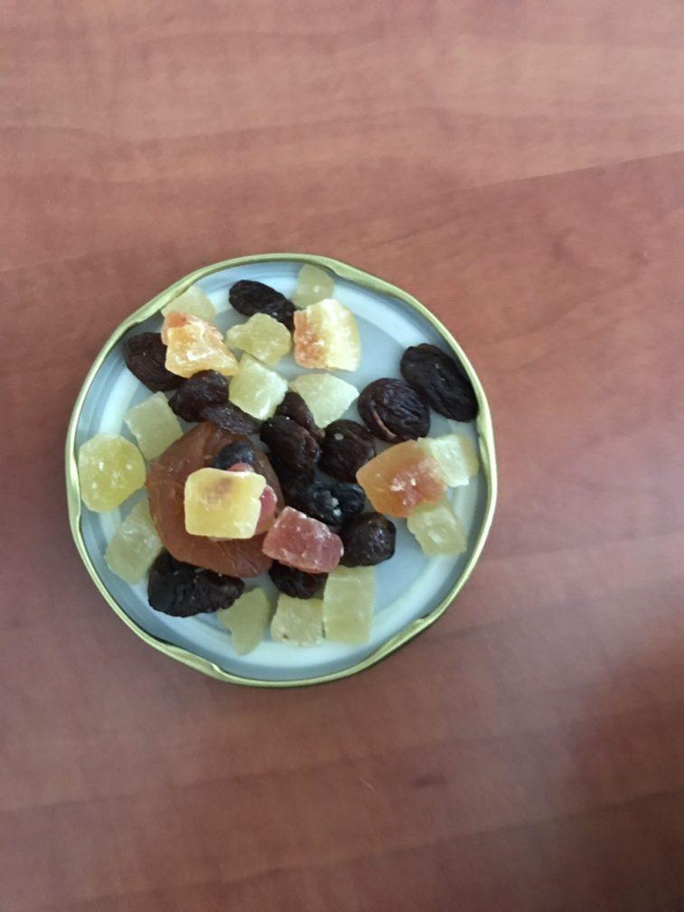 Фото рецепта - Сладкая ячневая каша с сухофруктами - шаг 2