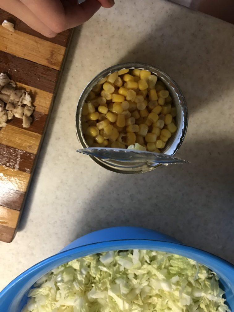 Фото рецепта - Постный салатик из фасоли  и кукурузы - шаг 1