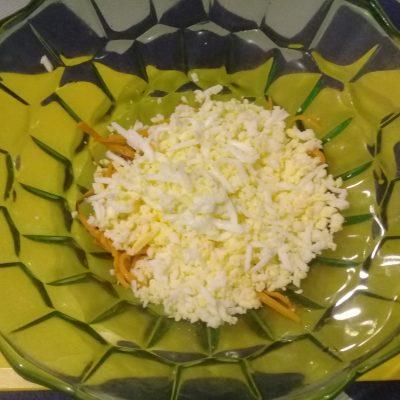 Фото рецепта - Крабовый салат с рисом и кукурузой - шаг 3