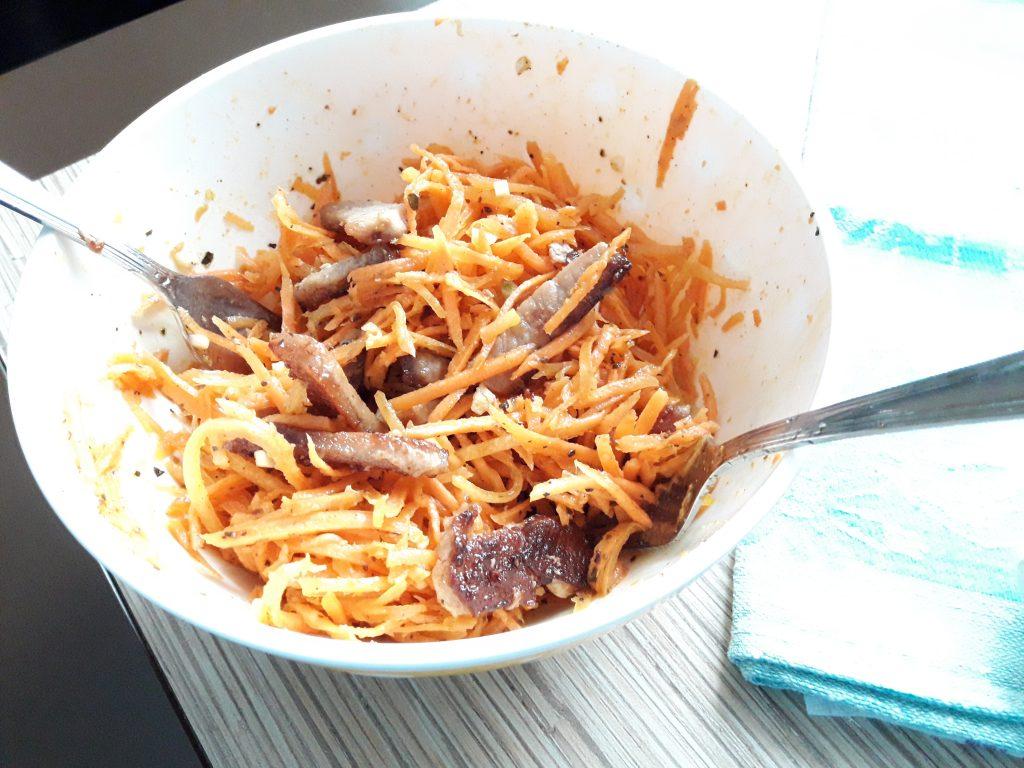 """Фото рецепта - Салат """"Морковь по-корейски"""" с мясом - шаг 4"""